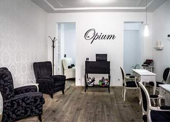 Opium Manicure and Pedicure Salon de Belleza Ibiza, Madrid