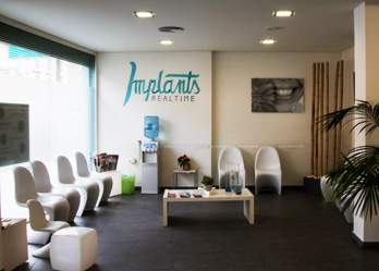 Implants Realtime Clínica Dental Camí Fondo, Valencia