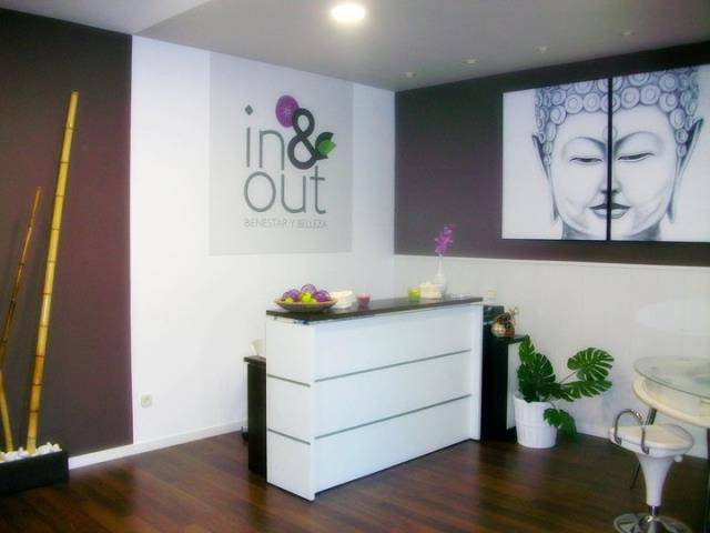 In and Out Manicura