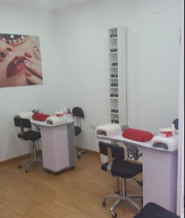 Burban Nails Manipedi