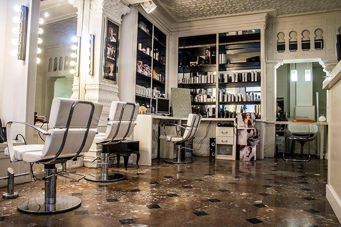 The Barber Shaves and Trims Principe Barbería