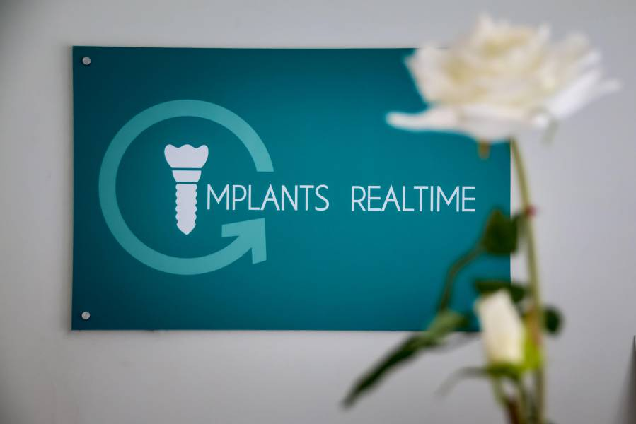 Implants Realtime Dental